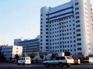 新泰中医院加速器防护门案例